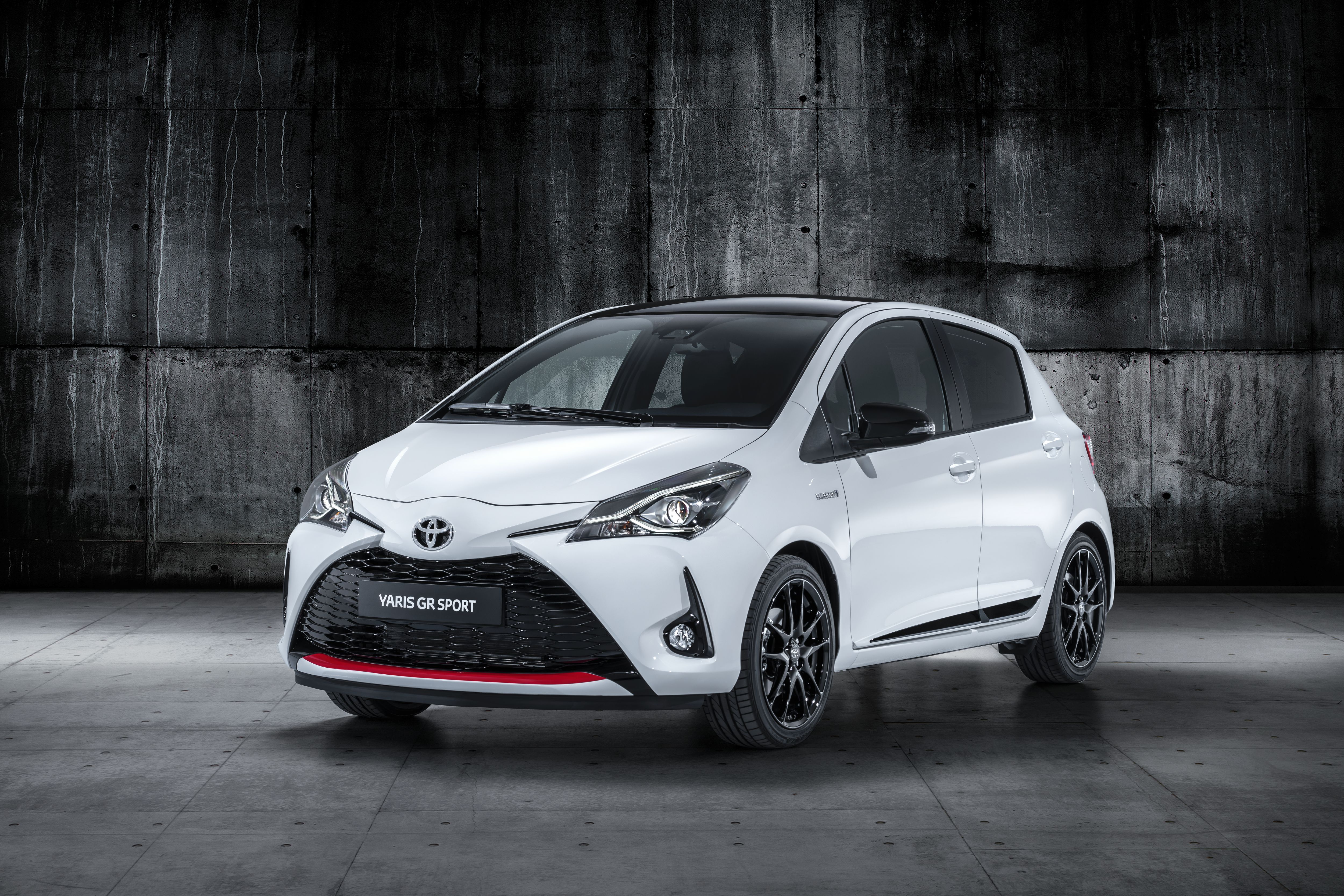 The Toyota Yaris Gr Sport Cruises Into Paris With Updated Looks And Revised Hardware Top Speed Yaris Toyota Cars Toyota