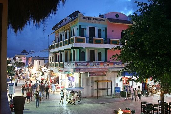 5th Avenue Playa Del Carmen Mexico I Almost Got Hit By A Moped
