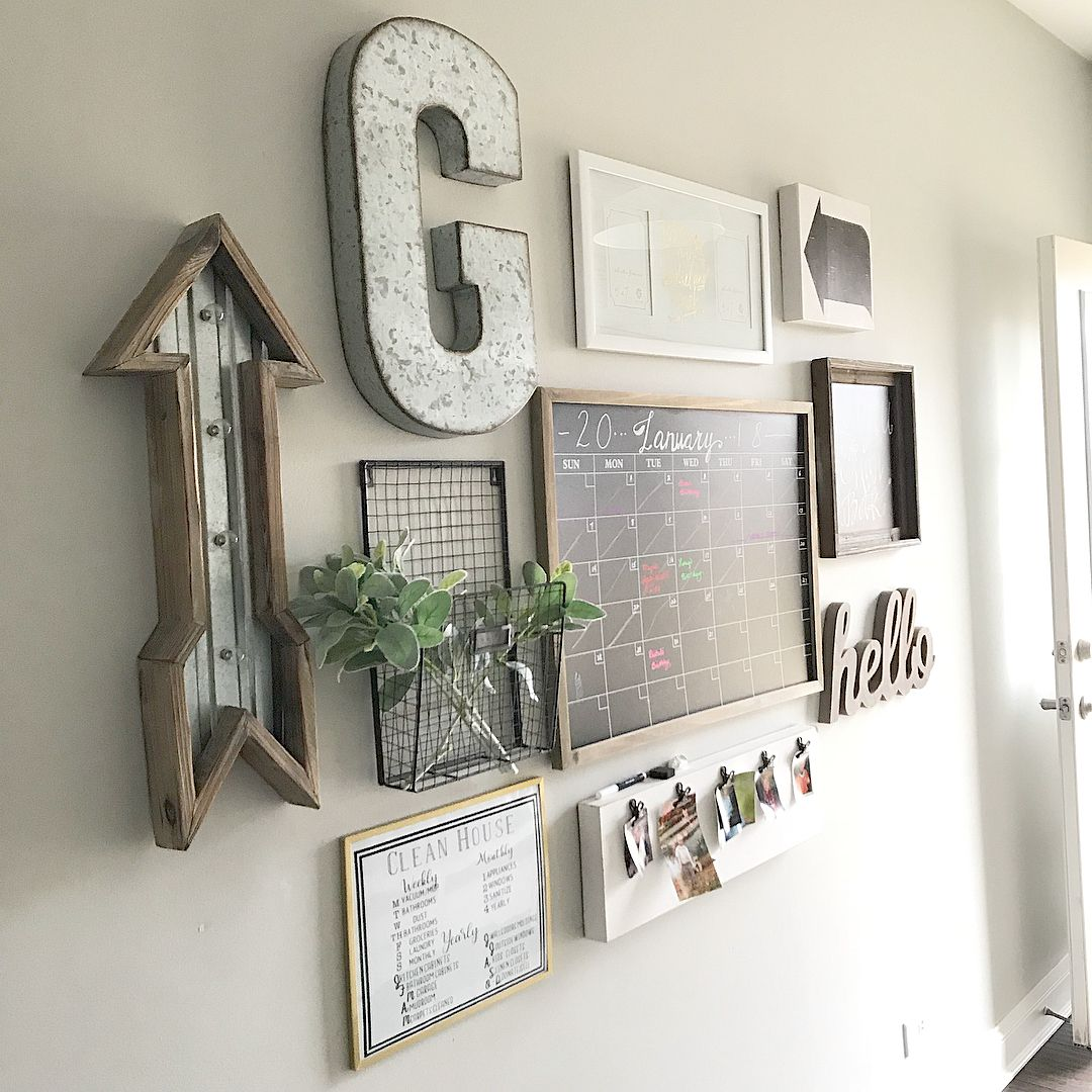 Pretty Farmhouse Wall Decor With Metal Letter And Command Centre