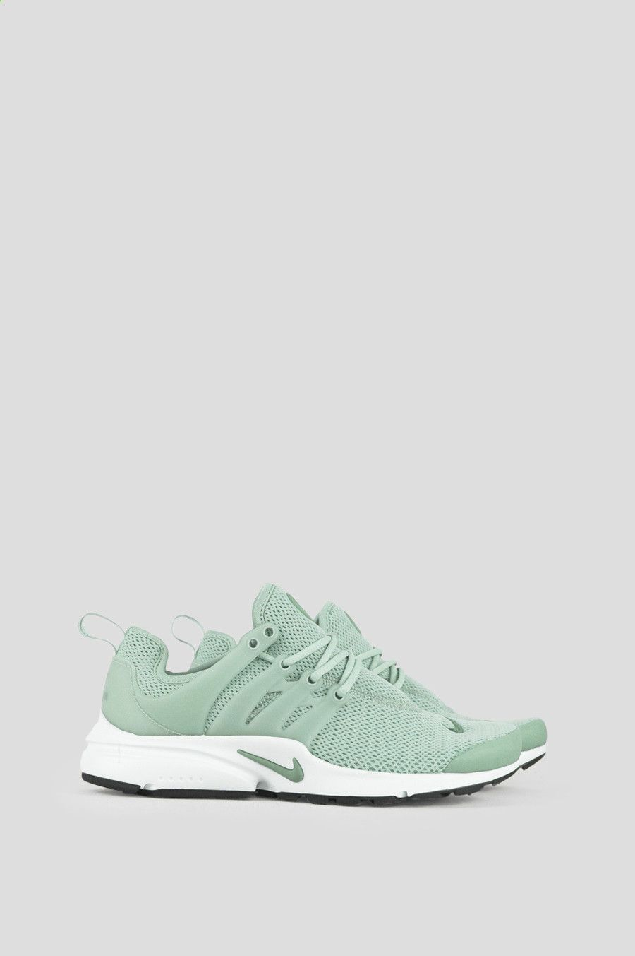 The Nike Air Presto Womens Shoe is inspired by the comfort