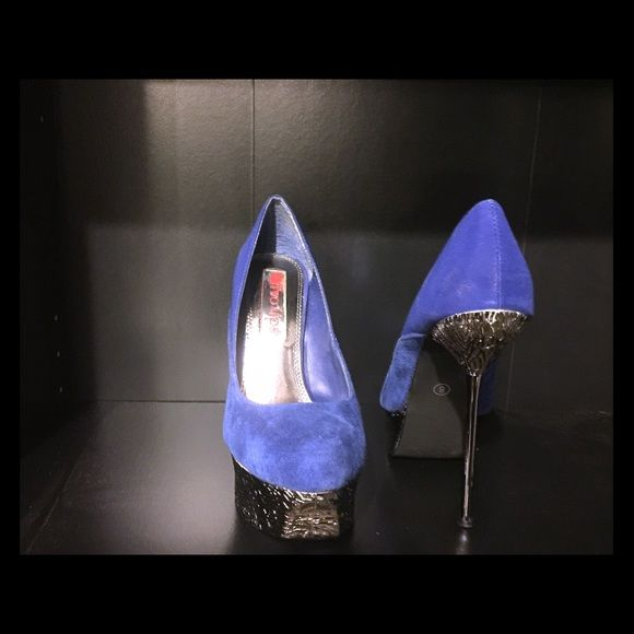 Two lips heels These are fun heels that I personally can't walk in .... Two lips  Shoes Heels
