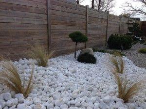 jardin zen plages de galets et coniferes nains parterre galets blancs