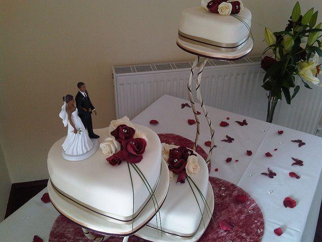 Heart shaped wedding cakes I Thee Wed Pinterest Heart shaped