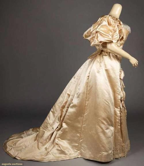 Romantic Bride Silk wedding gown, Wedding gown images