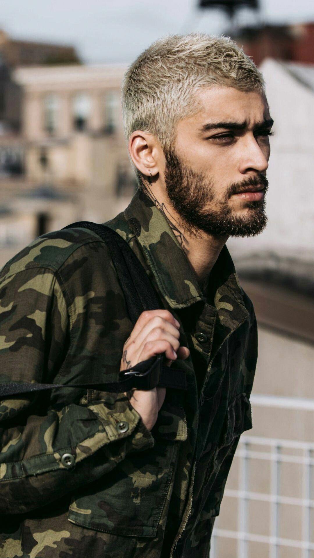 One Direction · Estilos Harry · Zayn Malik wallpaper  zaynmalikwallpaper  Cantores eeacb6d7fc4