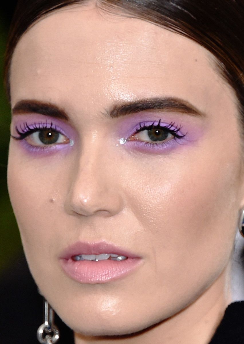 63 of the best beauty looks at the met gala celebrity beauty and close up of mandy moore at the 2017 met gala baditri Image collections