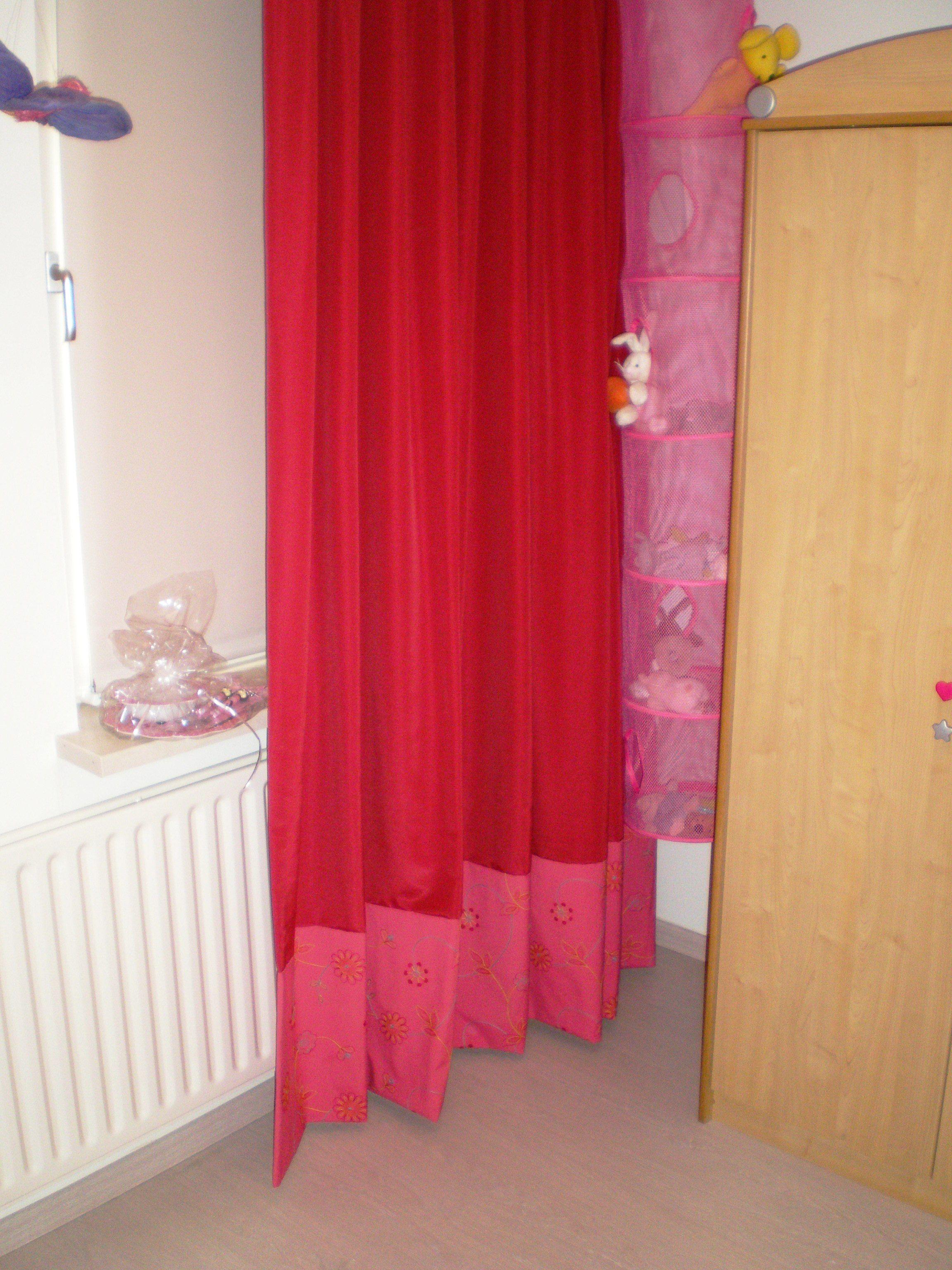 Gordijnen met een border van andere stof, Leuk voor de meidenkamer ...