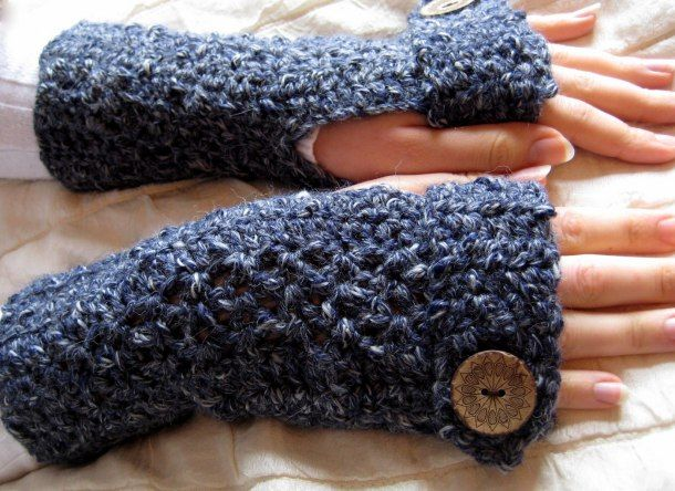 Free Crochet Pattern, Nice and warm! ❥Teresa Restegui http://www ...