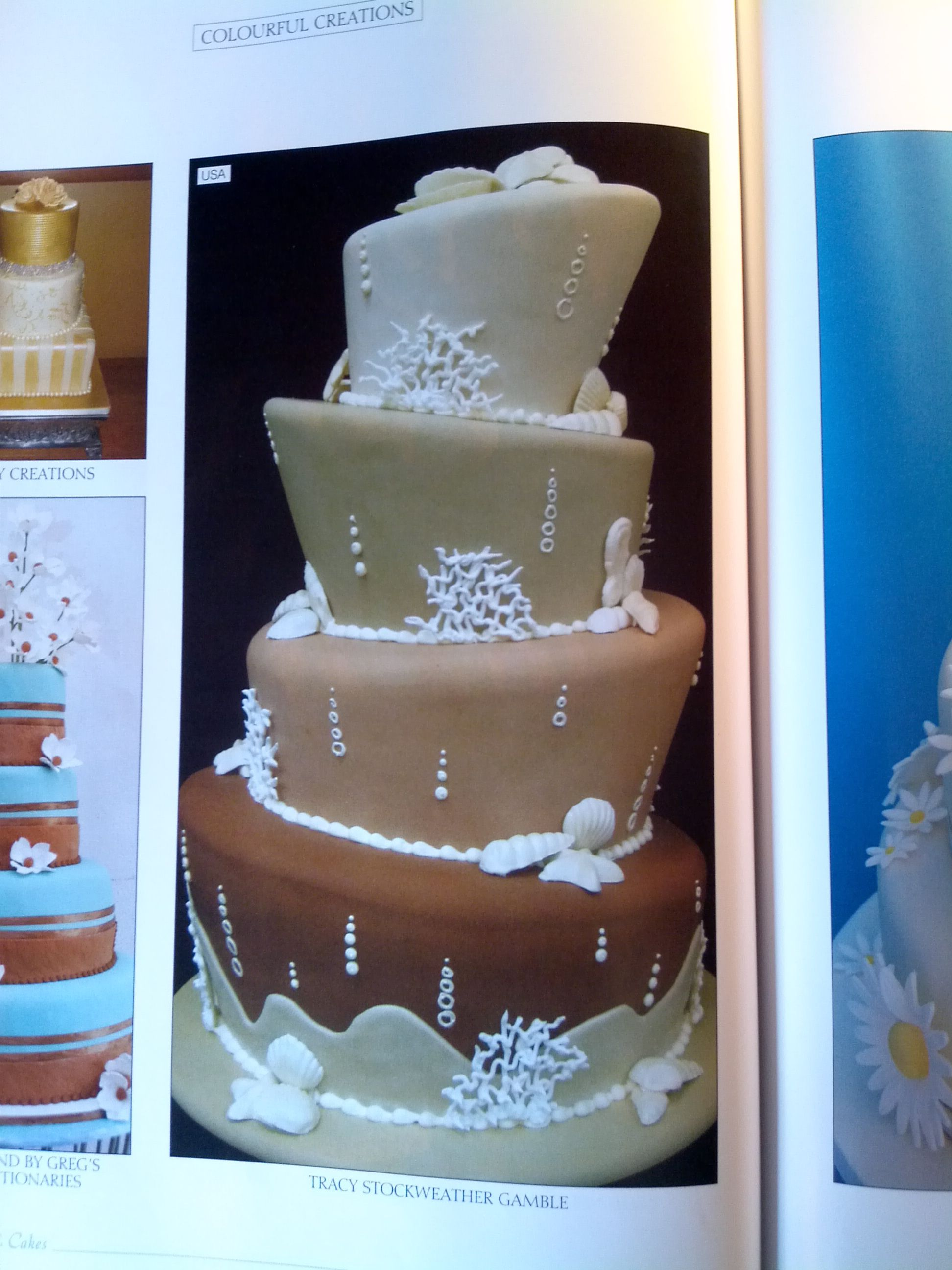 "love the ""bubbles"" Wedding Cakes a Design Source Issue 35 pg 92"