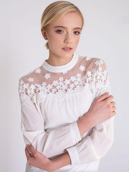 Dahlia Anali White Blouse With Lace Yolk Detail