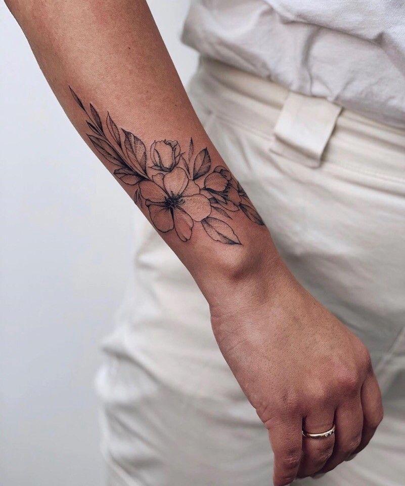 Tatuajes En La Muneca Para Mujer De Flores