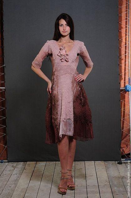 52644fc578d Платья ручной работы. Ярмарка Мастеров - ручная работа Валяное платье на  шелке