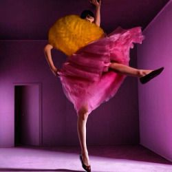 Wendelien Daan // Erin O'Connor for French Vogue 2000 #vogue #dance #supermodel #wattanabe #colors #tiptoe #tbt