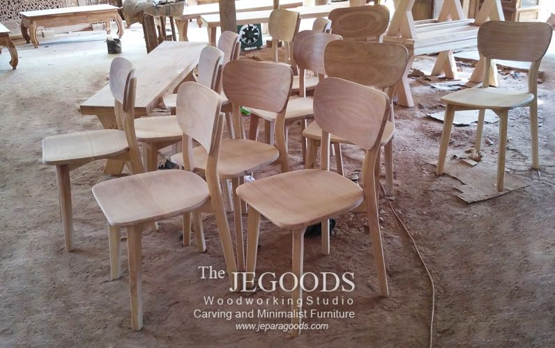 We Produce And Manufacturing Retro Scandinavian Mid Century Furniture Chair Styles At Affordable Price By Jepara Goods Woodworking Studio Furniture Retro Kursi