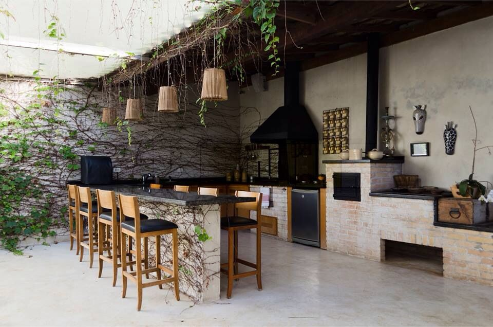 Like the idea of built in bar seating as a casual dining option in ...
