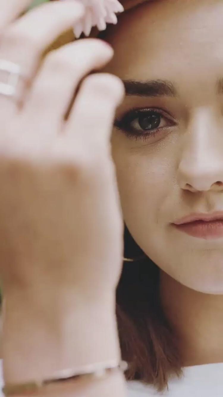 Asher Angel Maisie Williams