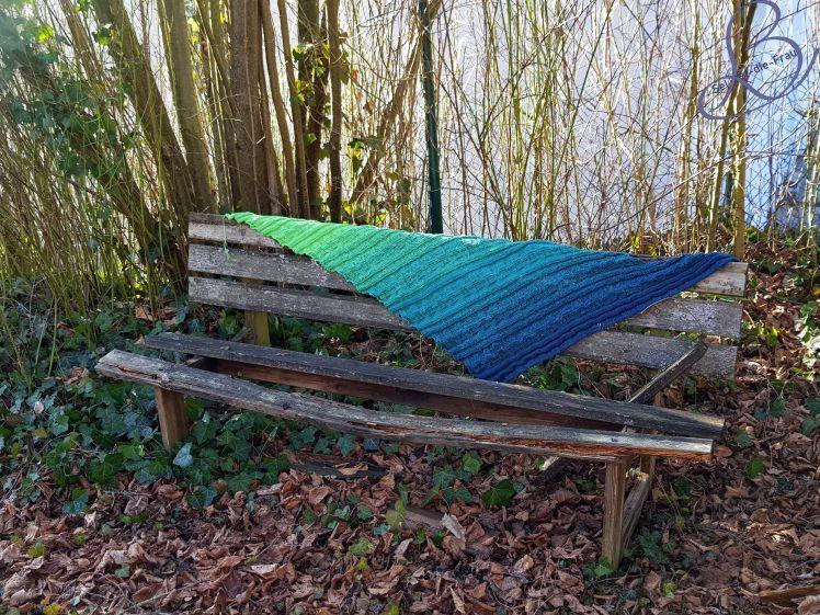 """Photo of Gratis Strickmuster / free pattern shawl """"Drachenschwanz Belatrix"""" – Drachenzähmen leicht gemacht"""