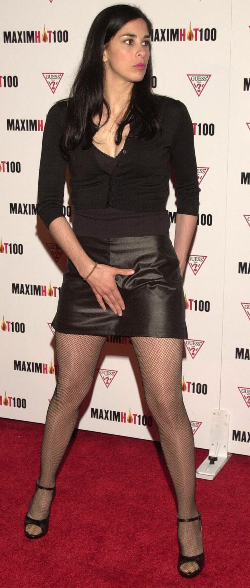 8025209adaace Sarah Silverman | Sarah Silverman | Leather skirt, Jenna fischer ...