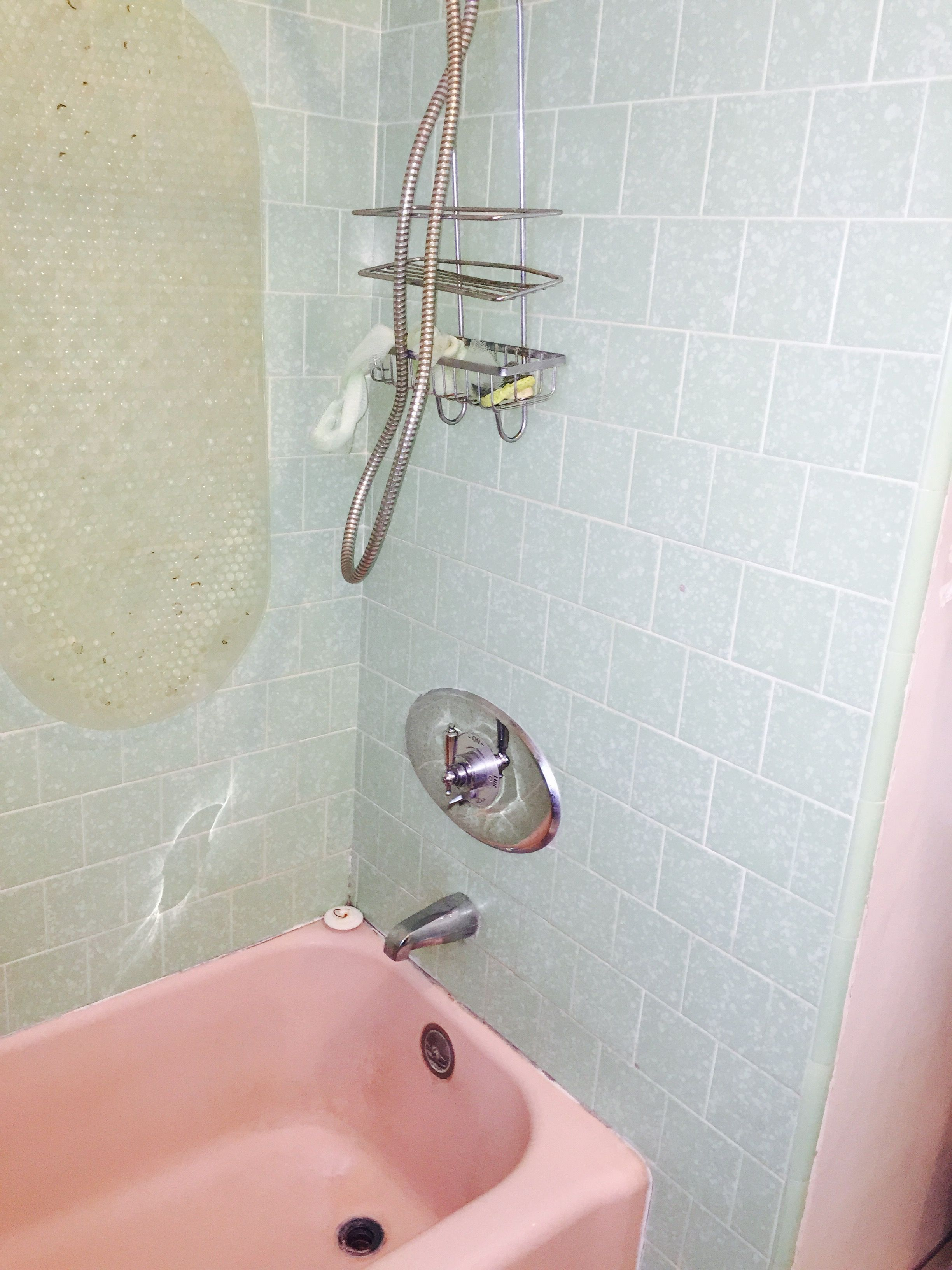 Old Pink Tub Tile And Faucets Pink Tub Bathroom Faucets Tub Tile