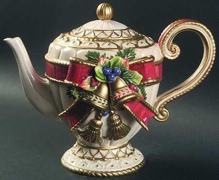 Fitz & Floyd Christmas Deer Teapot with Lid