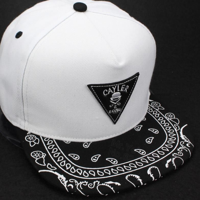 Encontrar Más Gorras de béisbol Información acerca de 2015 nuevo blanco  negro moda gorra de béisbol ajustable ala snapback sombreros y gorras para  hombres ... 28a55fd37e6