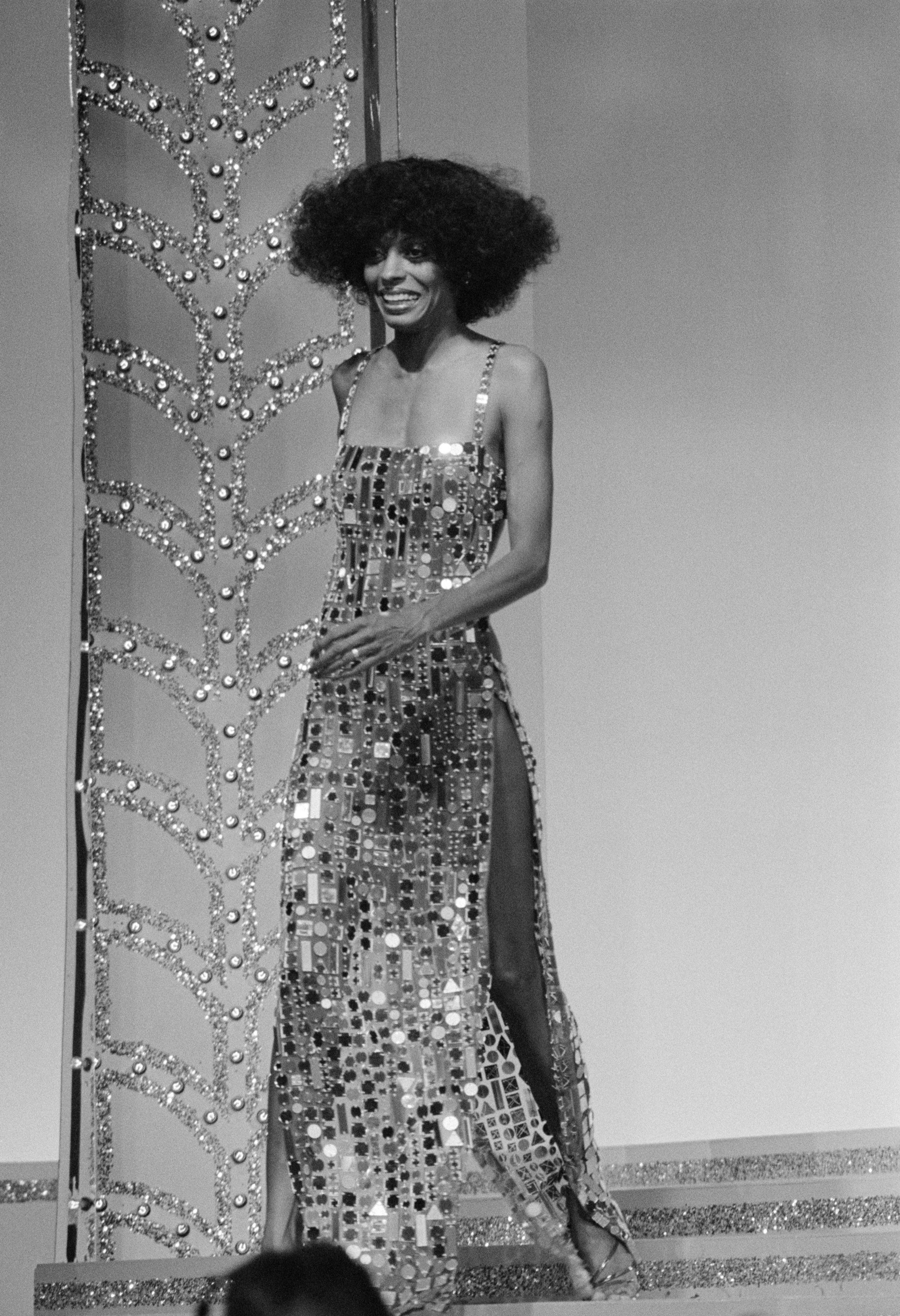 9 Throwback Diana Ross Outfits We'd Wear Right This Second