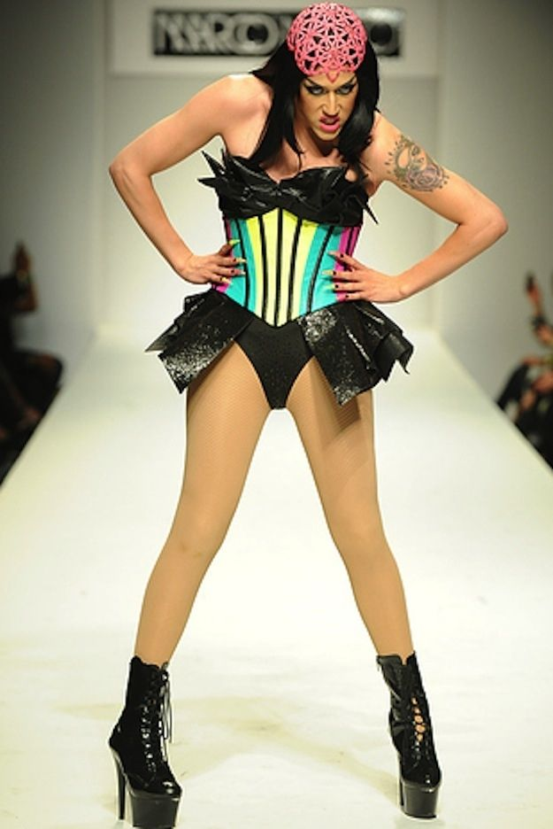 All Runway Models Should Be Replaced With Drag Queens Immediately Top Model Poses Adore Delano Races Fashion