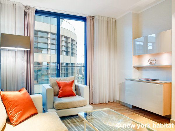 London Accommodation 1 Bedroom Apartment Rental In Tower Hill City Ln 1498 Fully Furnished Apartments Furnished Apartment Apartment