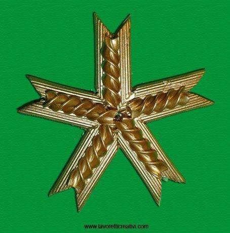Stella Di Natale Costo.Come Realizzare Una Stella Con La Pasta Stella Di Natale Natale Idee Natale Fai Da Te Bambini