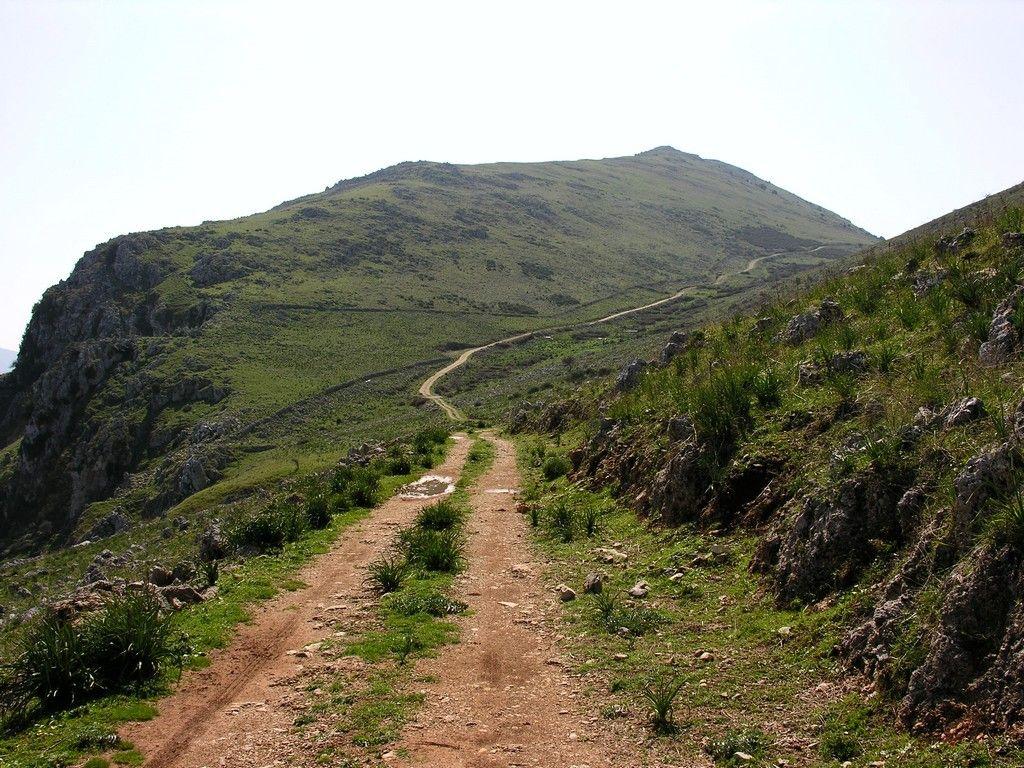 Trail from Monte Pecoraro (Cinisi PA) toward Montagna Longa (Carini PA)
