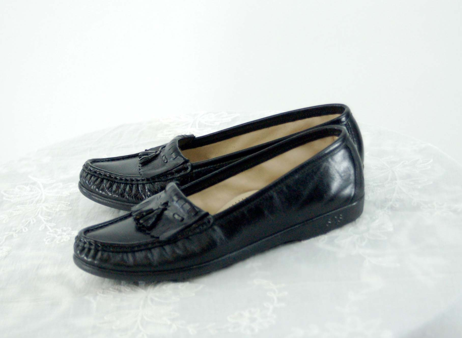 70/'s Black Leather Moccasin Loafer  Stacked Block Heel  Size 9 S 8M