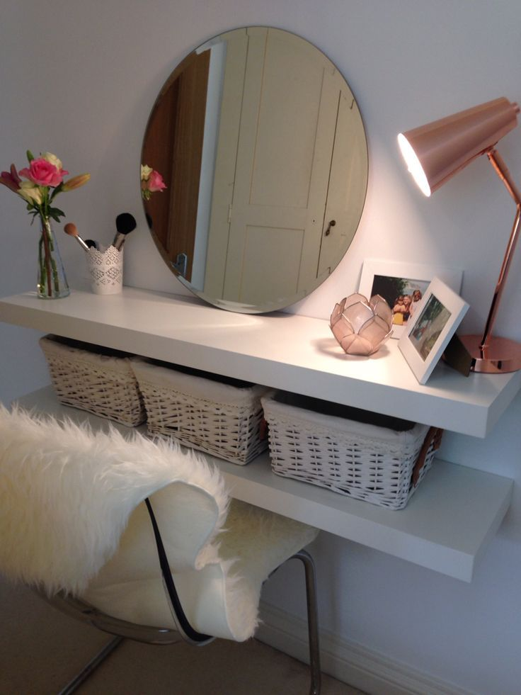vanity table for small space. easy diy makeup table when space is limited or you are using what have without buying much of anything. vanity for small