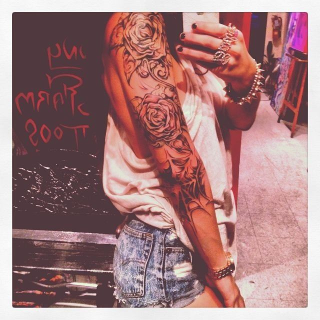 Tatted flowers