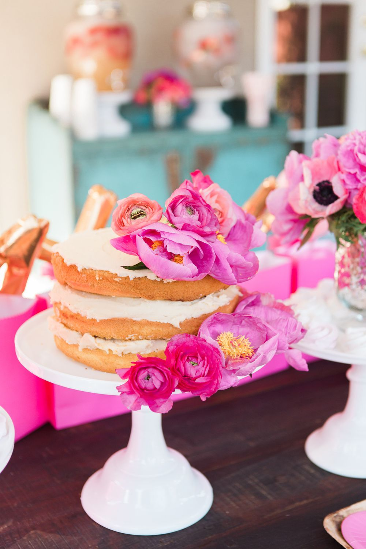 25 Chic Ways To Decorate For Valentines Day   Isabella Valentine Free
