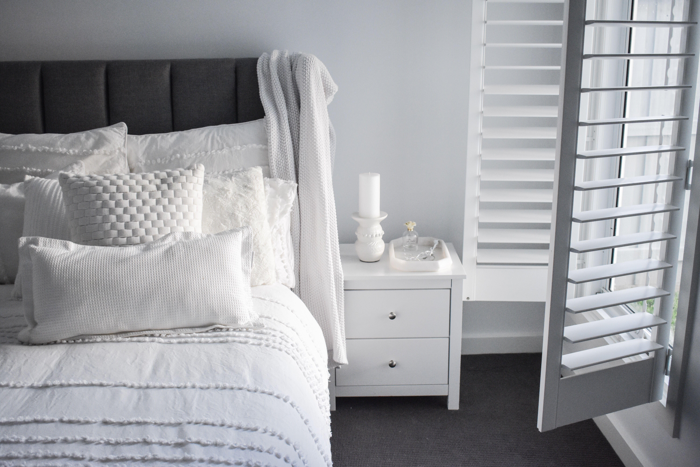 White Bedding White Bedding Master Bedroom White Bedding Ideas