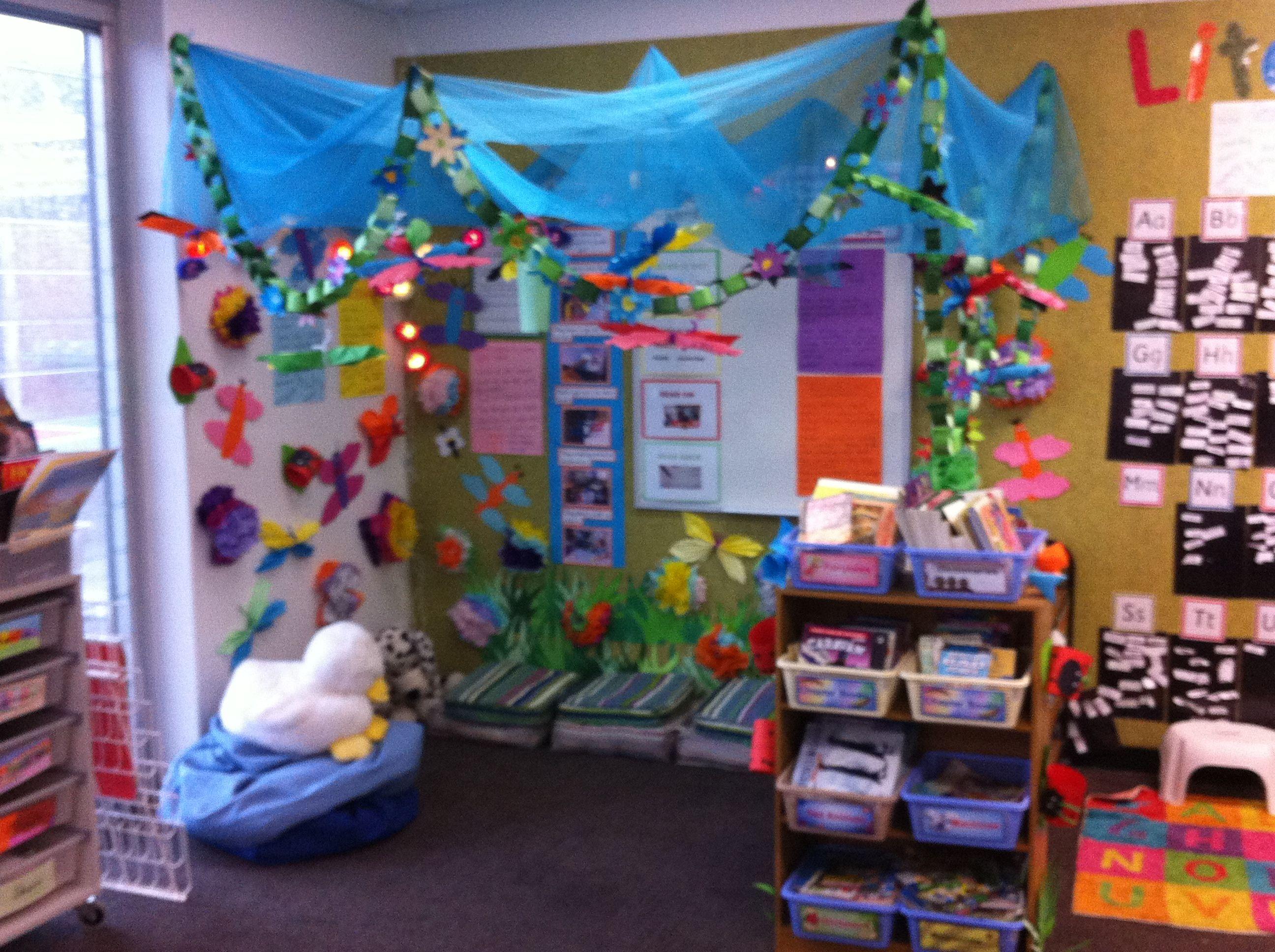 Secret garden reading corner education pinterest for Garden display ideas