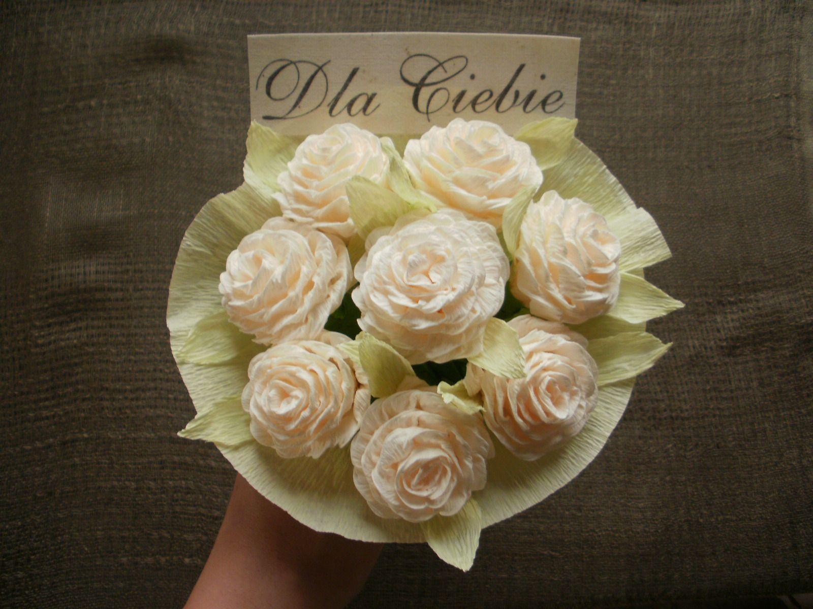 P Stworz Cudowne Bukiety Z Bibuly W Bardzo Prosty I Przyjemny Sposob Wykonaj Kwiaty Z Bibuly Do Zludzenia Przypominajace Roze Oryginalne De Flowers Rose Diy