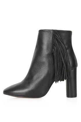 MUSKAT Luxe Fringe Boots