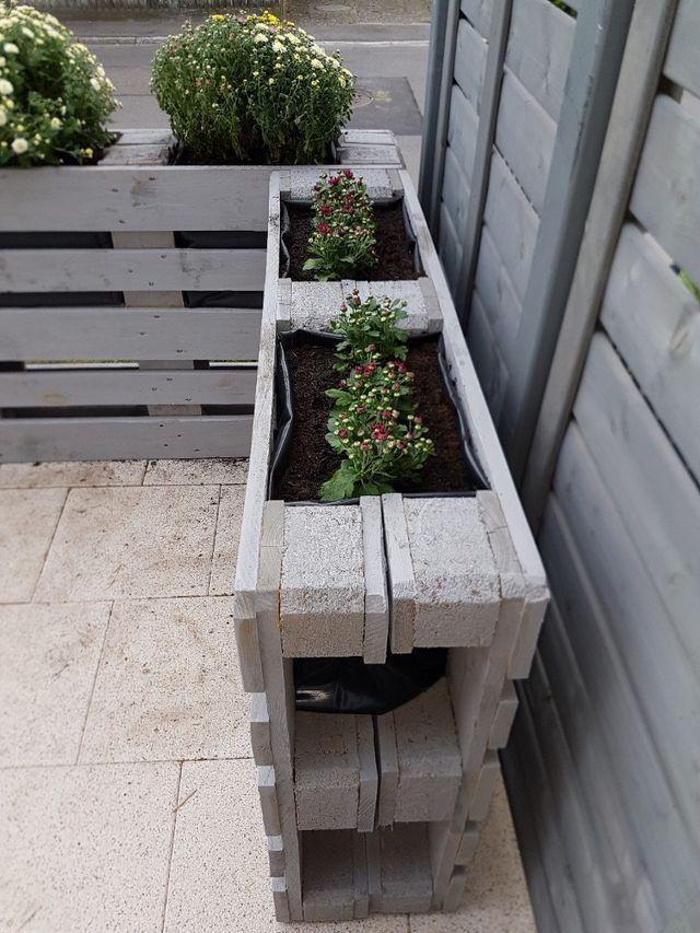 Cloture De Bricolage Upcycling De Palettes Messages Par Artisanat Manuel In 2020 Diy Fence Pallet Garden Garden Projects