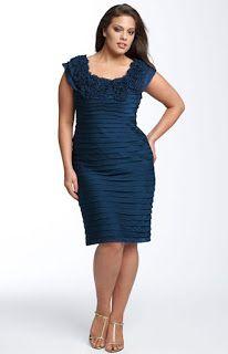 Modelos de vestidos en azul marino