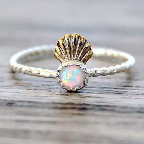 mermaid shell crown and opal ring mermaid gifts for her pinterest meerjungfrauen schmuck. Black Bedroom Furniture Sets. Home Design Ideas