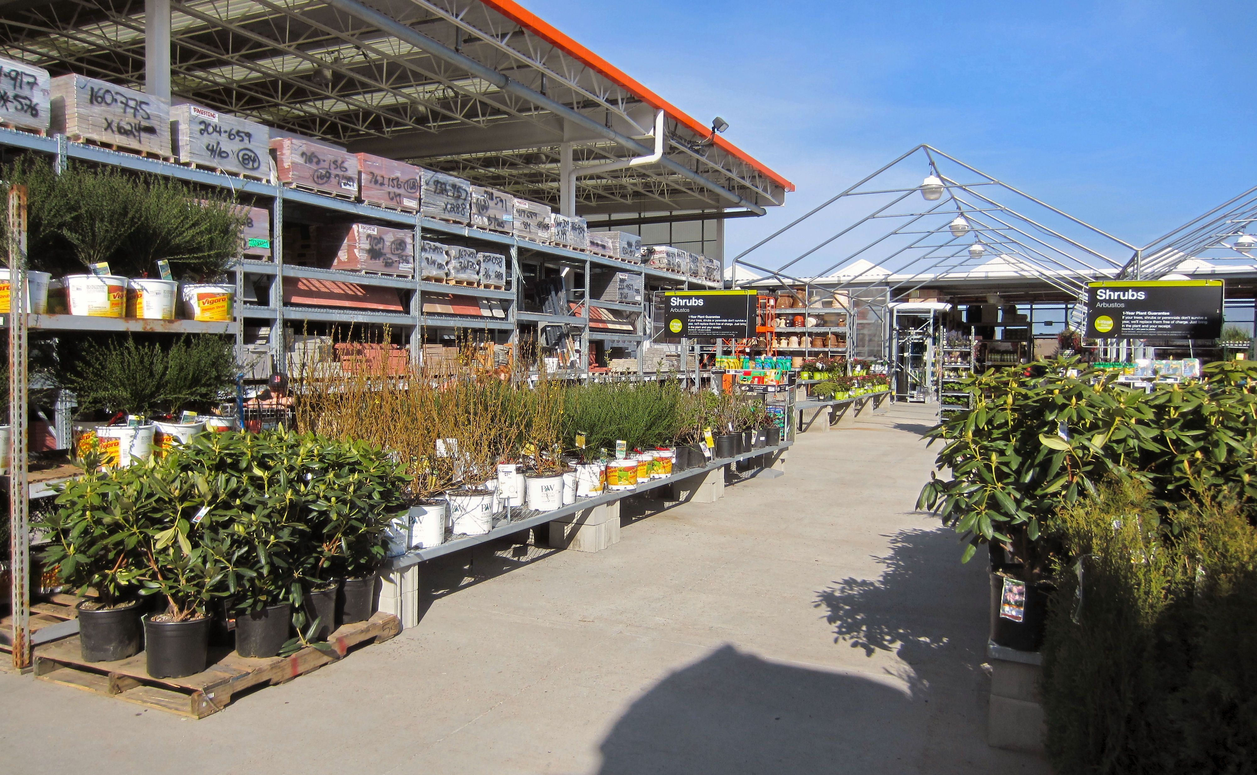 Home Depot Road Trip Time To Digin Annual Plants Garden