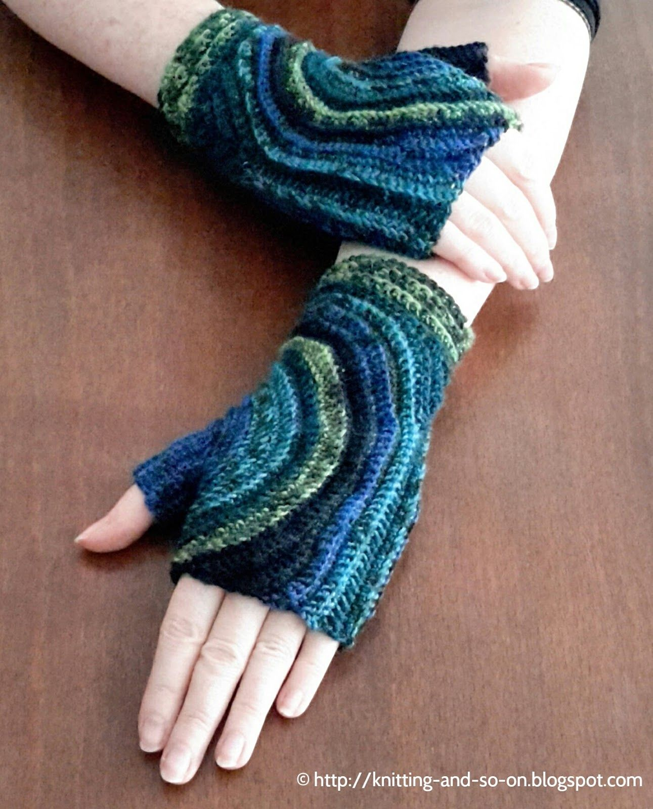 Knitting and so on: Kreisel Fingerless Gloves *Crochet version of a ...