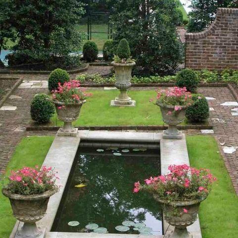 68a6ead95d7d33eed7118e631eed9451 - Gardens On The Edge Christine Reid