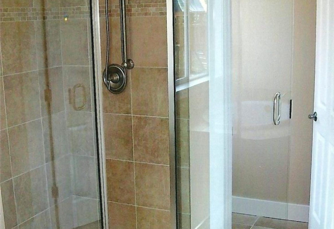 Alumax Shower Doors 1050