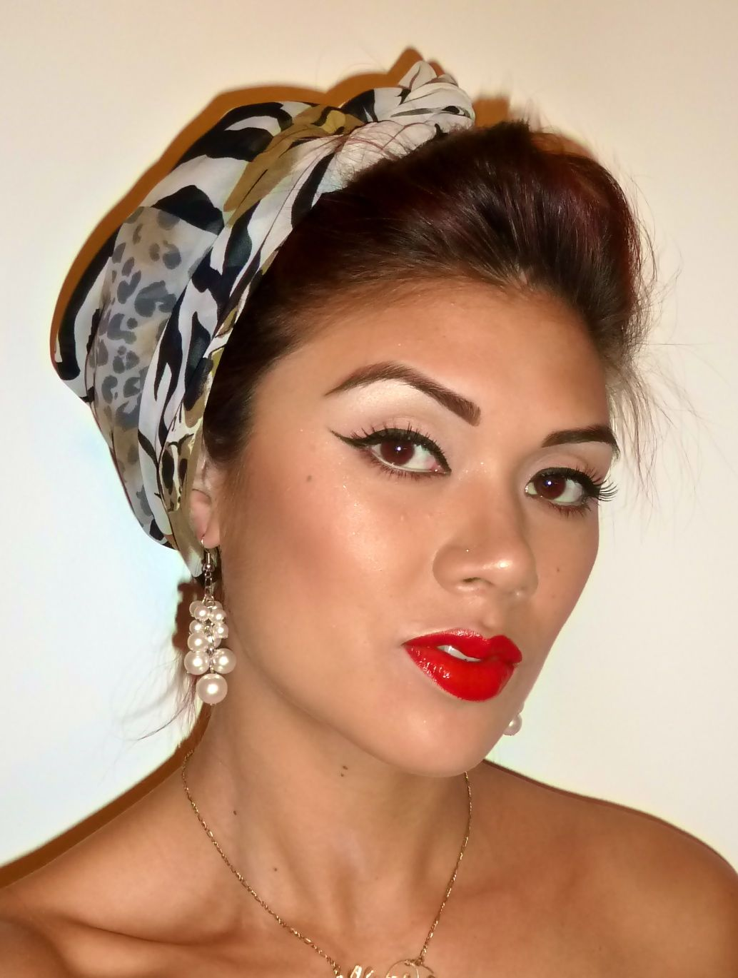 Pin up Makeup, old hollywood, halloween makeup So wish I could pull this off!
