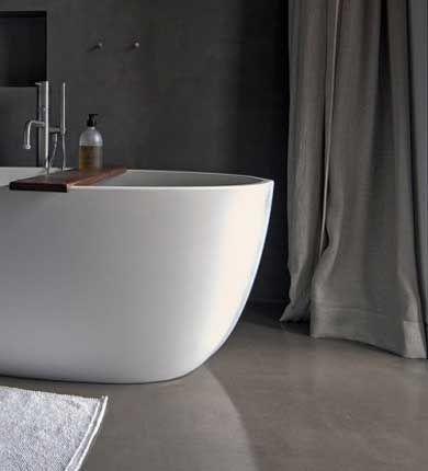 mur et sol de salle de bain en beton ciré interior concrete