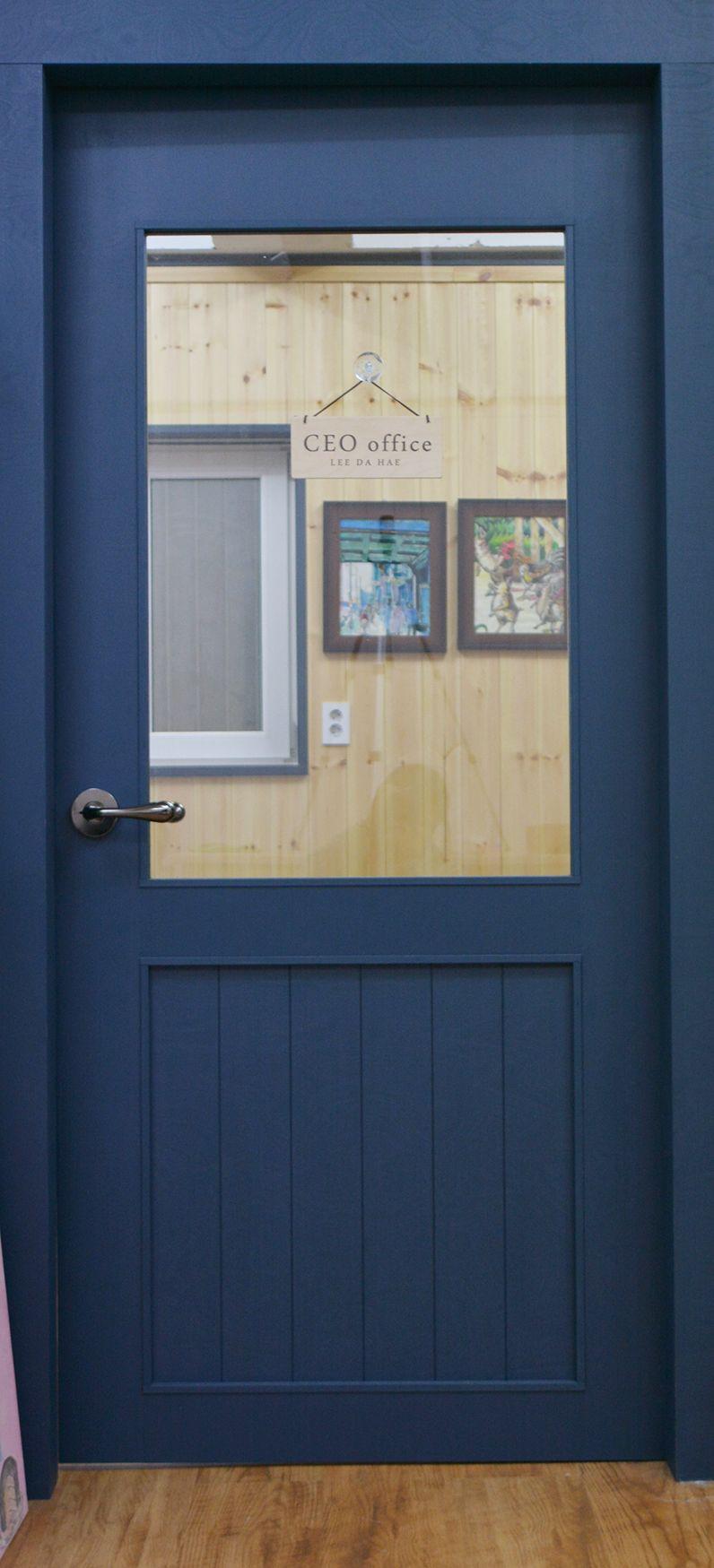 door design by WHITEAPPLE 화이트애플에서 디자인한 문  Interior design by ...