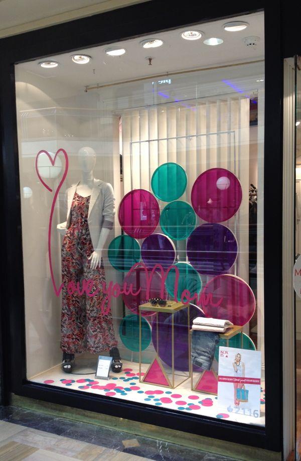 Mother S Day Window Display On Behance Window Display Retail
