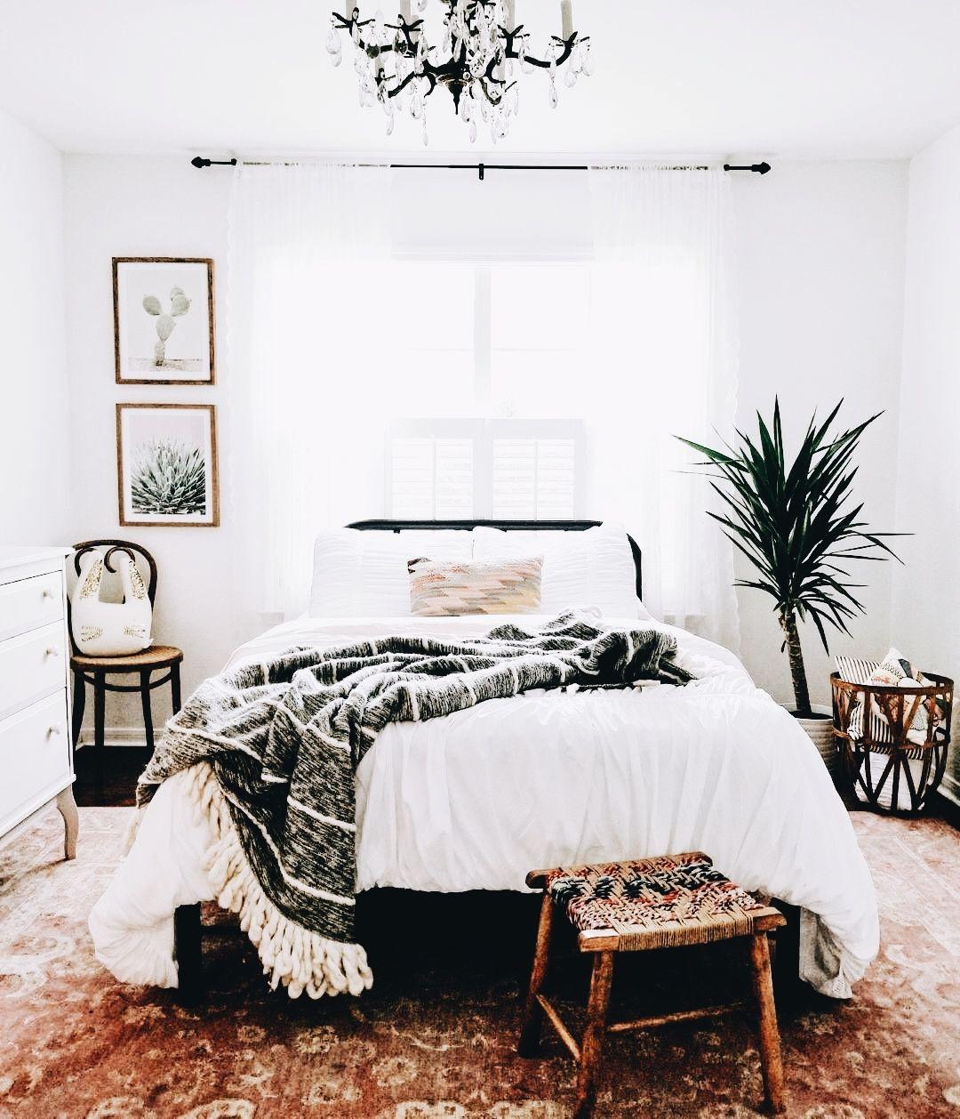 Une chambre épurée adopte la tendance bohème | Déco bohème en 2019 ...